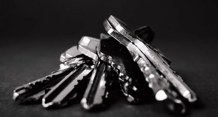 close-up-of-bunch-of-house-keys